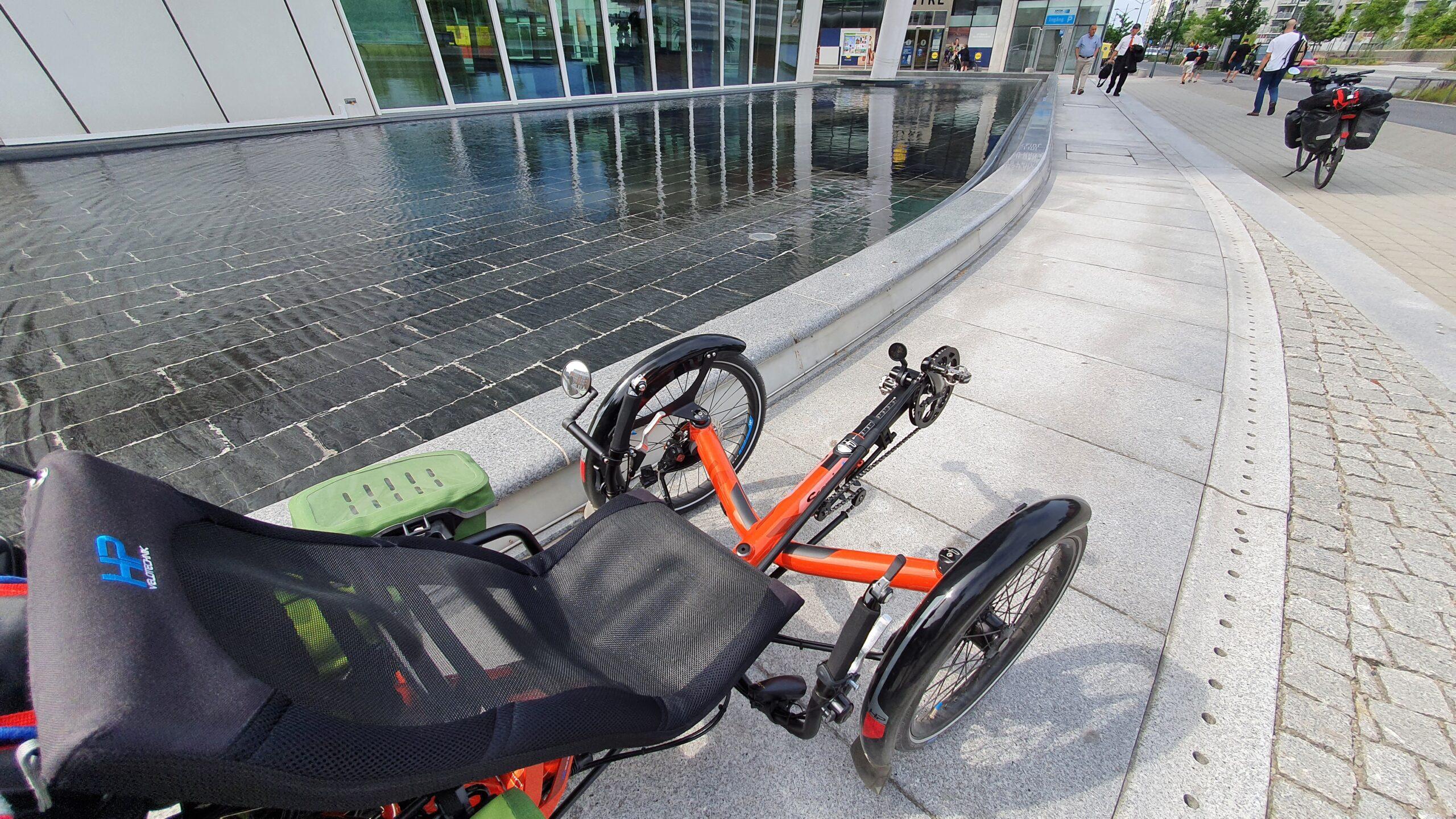 Trójkołowy rower poziomy - test trajki HP Velotechnik Scorpion FX