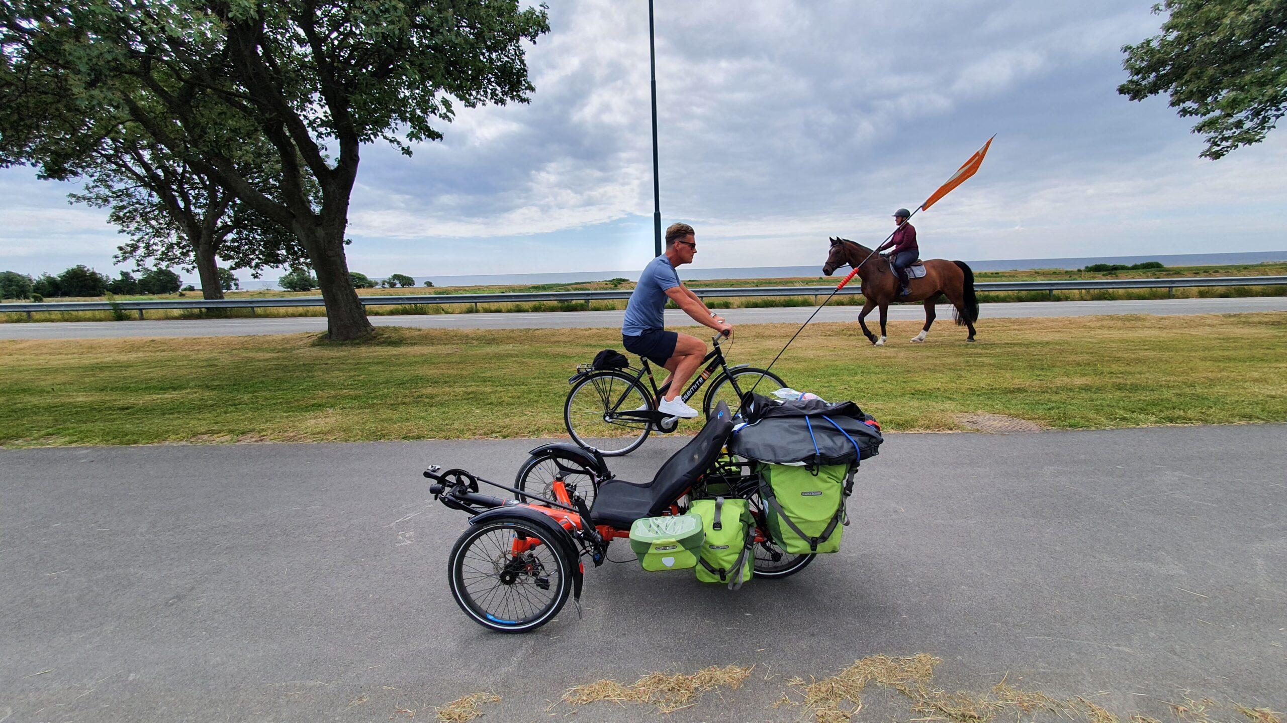 Morze, rower, koń, po szwecji na rowerze