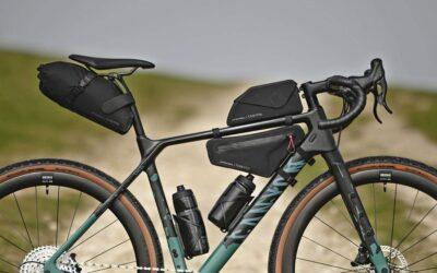 Jak spakować się na wyprawę rowerową? – 3 różne filozofie pakowania